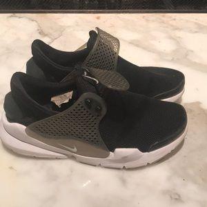 Nike strap sneakers